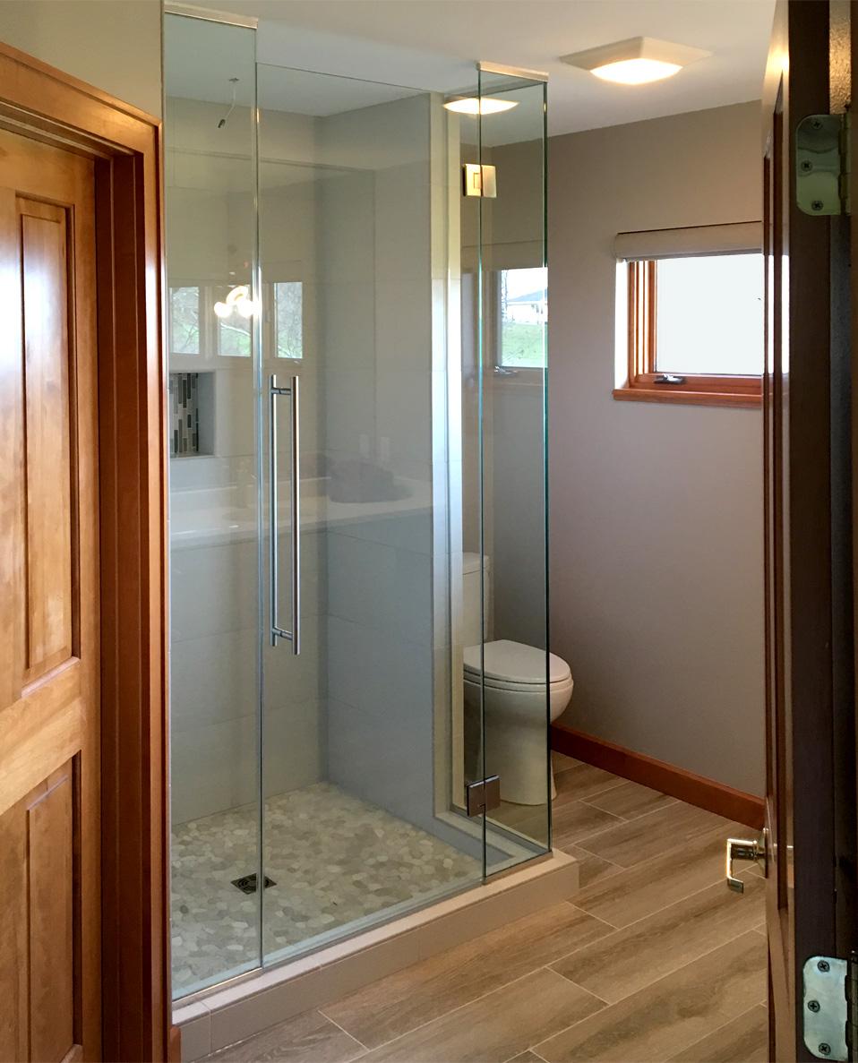 Corner glass edge shower | Area Glass Wisconsin