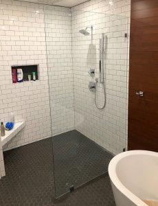Doorless shower No door, frameless