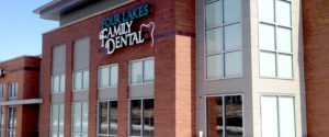 Retail building glass, Four Lakes Family Dental in Cottage Grove