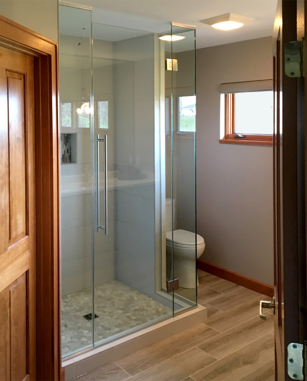 Corner glass edge shower