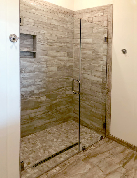 Frameless shower with clips. No header.