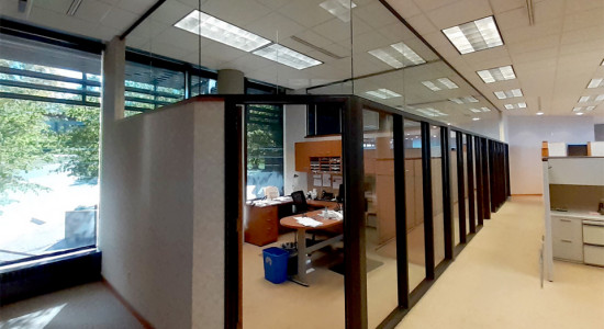 Custom office partition glass hush enclosure