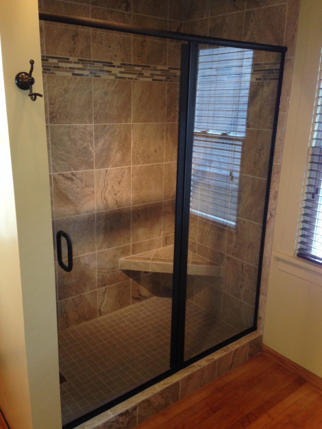 Semi-frameless Shower